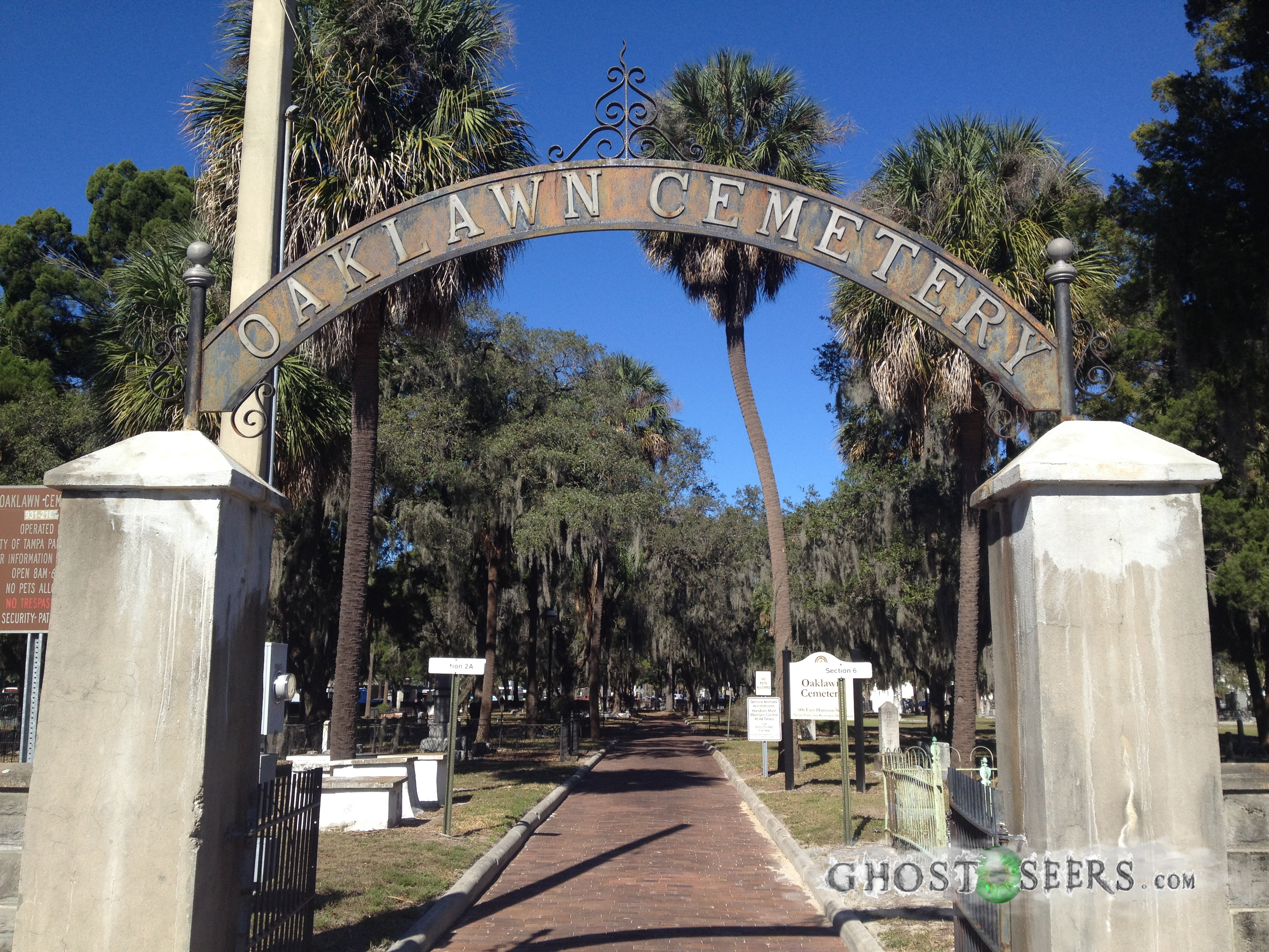 Tampa's Haunted Oaklawn Cemetery